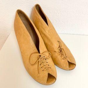 Giraudon Vintage Mustard Tie Peep Toe Heels